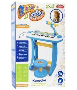 لعبة بيانو مع مجموعة موسيقى كاريوكي للأطفال